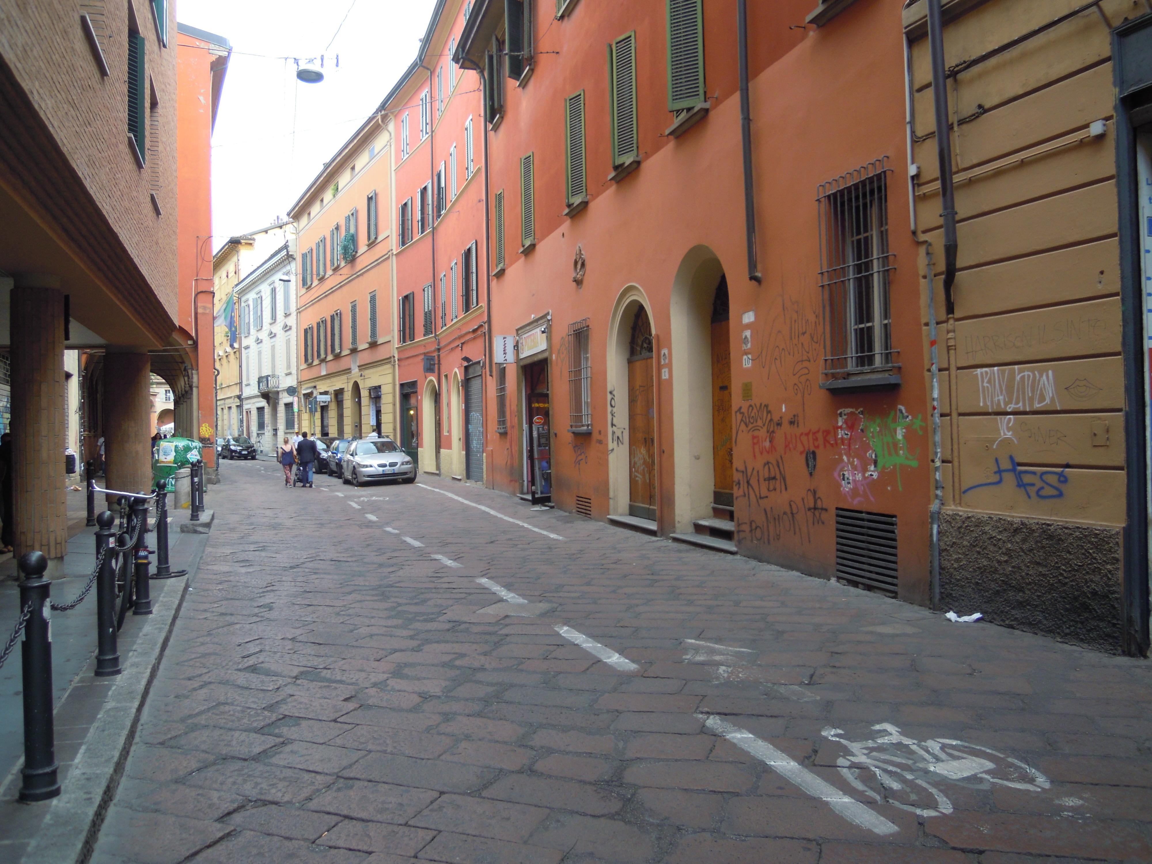 Ufficio Verde Comune Di Bologna : La rossa attraversa la u cverdeu d bologna sassuolo